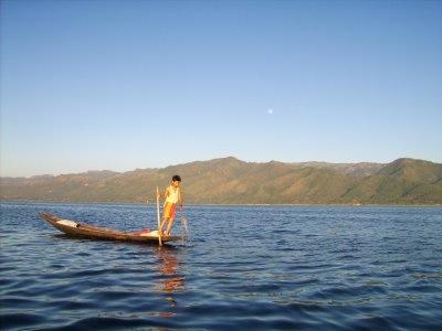 photostory0001-burma-inlelake-fisherman.JPG